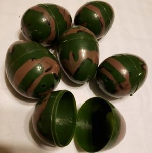 Other - Camouflage plastic Easter eggs camo